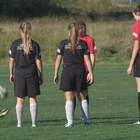 Des joueuses de l'Académie de haute performance de Soccer Nouveau-Brunswick