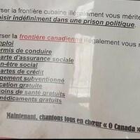 On voit une affiche qui contient de fausses informations à propos de l'immigration dans plusieurs pays, dont au Canada.