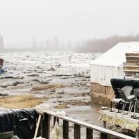 La glace sur la rivière Peel.