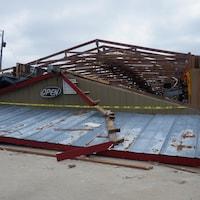 Les restes d'un commerce après le passage d'une tornade à Smithes Station, Alabama.