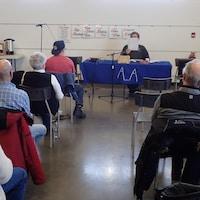 Une 50e de personnes ont assisté au MIDI ESPRESS des AA à saint-Hyacinthe. La rencontre dure une heure et à lieu du lundi au jeudi.