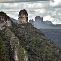 Forêt et rochers à perte de vue