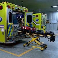 Une ambulance est toujours prête à partir sur une intervention.