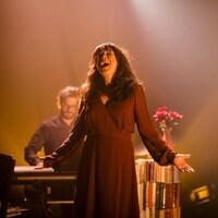 Catherine Allard dans la pièce « Je cherche une maison qui vous ressemble » , présentée au théâtre Denise-Pelletier