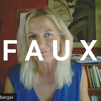 """Astrid Stuckeberger regarde la caméra lors d'un appel Zoom. Le mot """"FAUX"""" est superposé sur l'image."""