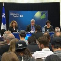 Les audiences publiques du BAPE sur le projet de train électrique de la Caisse de dépôt et placement du Québec.