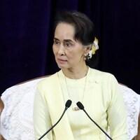 Le comité du Nobel n'a pas l'intention de retirer son Nobel à Aung San Suu Kyi malgré les critiques de l'ONU.