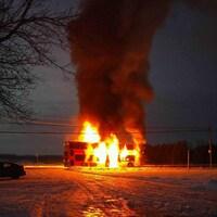 Un autobus d'OC Transpo est la proie des flammes.