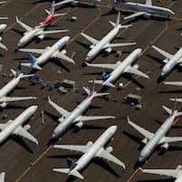 Des avions Boeing 737 MAX stationnés sur la propriété de Boeing à Seattle, Washington.