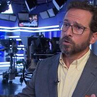 Yves-François Blanchet s'adresse à la caméra.