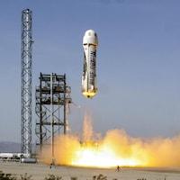 Le vaisseau New Shepard s'envole de son pas de tir.