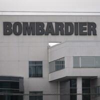 L'enseigne de l'usine de Bombardier.