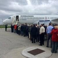Un appareil CS300 présenté lors de la dernière assemblée des actionnaires de Bombardier.