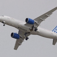 Un avion de la C Series fabriqué par Bombardier.