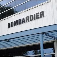 Enseigne de Bombardier sur un immeuble.