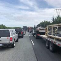 L'accident a provoqué un bouchon sur l'autoroute 102, en direction nord, à la hauteur de la Première Nation de Millbrook.