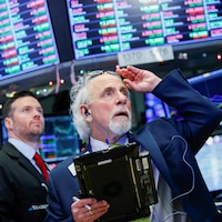 Des négociateurs à la Bourse de New York (NYSE) le 27 décembre 2018