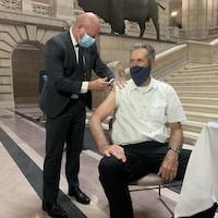 Brent Roussin vaccine Brian Pallister.