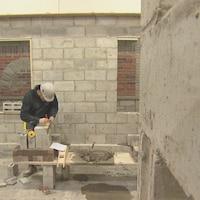 Un étudiant au programme de briquetage-maçonnerie du Centre de formation professionnelle 24-juin de Sherbrooke