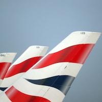 Trois queues d'avions de British Airways.