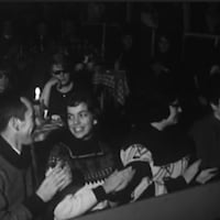 Spectateurs de La Butte à Mathieu qui applaudissent.