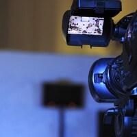 Une caméra.