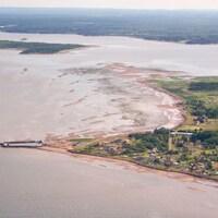 Le quai et les chalets du Cape-des-Caissie en juillet.