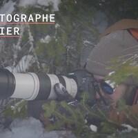 Le photographe Jean-Simon Bégin  dans la forêt Montmorency.