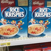 Des boîtes 1,12 kg de Rice Krispies sur une étagère