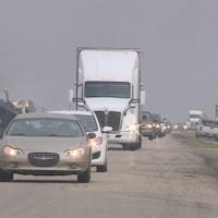 Bouchon de circulation sur l'autoroute 11 près de Chamberlain en raison des travaux de construction.
