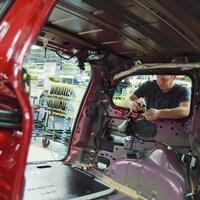 Un travailleur de l'usine Fiat Chrysler, à Windsor.