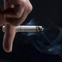 Une cigarette entre les doigts (archives).