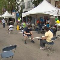 La clinique de vaccination éphémère organisée au centre-ville de Saskatoon, en Saskatchewan, le 19 juin 2021.