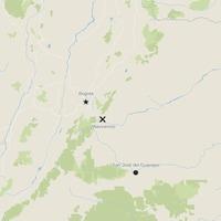 Une carte indiquant par une étoile la capitale Bogota, par un « X » la ville de Villavicencio et par un point la ville de San José del Guaviare.