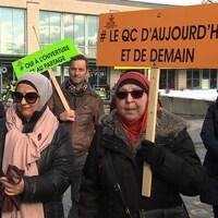 Un rassemblement citoyen a eu lieu, dimanche, au métro Parc afin de commémorer l'attentat de Québec survenu le 29 janvier 2017.