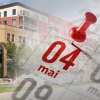 Un montage montre la date du 4 mai sur un calendrier avec des bâtiments en arrière-plan