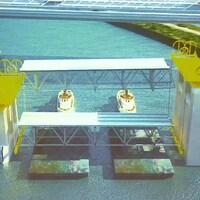 Utilisation de barges pour recueillir les structures du vieux pont Champlain