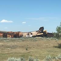 Entre 12 et 15 wagons ont déraillé près du hameau de Irvine, en Alberta. Ils pourraient contenir des substances inflammables.