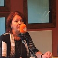 Diane Dallaire, mairesse de Rouyn-Noranda, dans les studios d'ICI Abitibi-Témiscamingue.