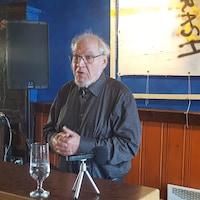 Le docteur Pierre Vincelette lors d'un point de presse.