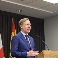 Le ministre de l'Éducation et du Développement de la petite enfance du Nouveau-Brunswick, Dominic Cardy, le 14 mai 2020.