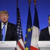 Les présidents américain et français tiennent un point de presse à l'Élysée