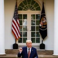Donald Trump s'exprime en conférence de presse dans le jardin de la Maison-Blanche.