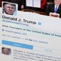 Le compte Twitter du président américain Donald Trump sur un écran d'ordinateur.