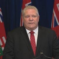 Doug Ford en conférence de presse.