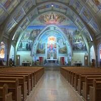 Les fresques ornent tout le cœur de l'église Sainte-Amélie à Baie-Comeau