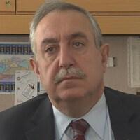 Le conseiller Eli El-Chantiry en entrevue à Radio-Canada, dans son bureau.