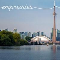 La vue de la ville de Toronto depuis les îles juste en face.