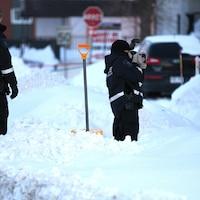 Des membres du service de l'identité judiciaire de la police de Québec