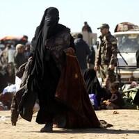 Le conflit entre les Forces démocratiques syriennes et le groupe armé État islamique a poussé les civils à fuir Baghouz.